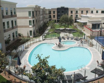 Accessible King Suite Near the Airport   Free Breakfast, Gym + Pool Access - Bressi Ranch