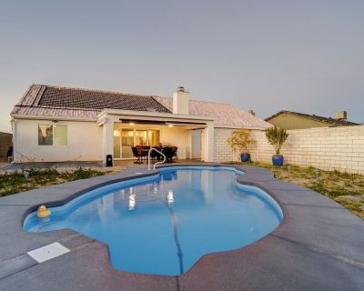 PRIVATE SWIMMING POOL (2428) 3BD/2BA, Sleeps 10 - Sunridge Estates