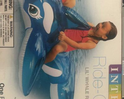 Pool toy: Inflatable Blue Lil Whale Ride On