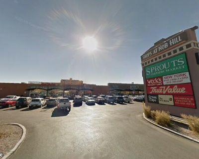 The Shops at Nob Hill at Lomas & San Mateo