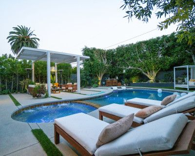West LA Urban Oasis - Pool/Jacuzzi, Bar, Fire-pit, Daybed & more!, los angeles, CA