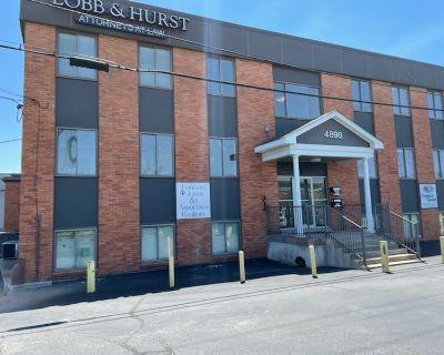 4898 Brownsboro Center