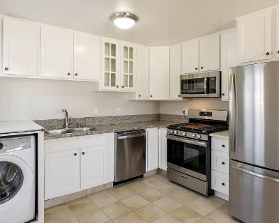 Private room with own bathroom - San Jose , CA 95124