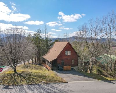 Size! Location! Amenities! Must See Cabin! - Pigeon Forge