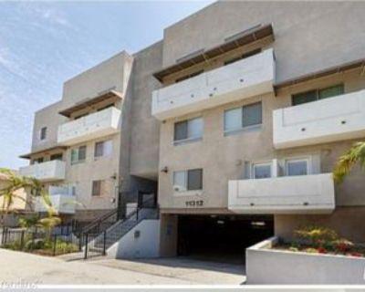11312 11312 Huston St 12, Los Angeles, CA 91401 4 Bedroom Condo