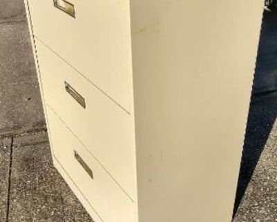 Nice 3 Drawer Metal Lateral File Cabinet With Keys!