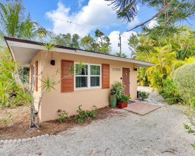 Parrot Nest. Incredible value. Walking distance to restaurants and shops and the lighthouse! - Sanibel