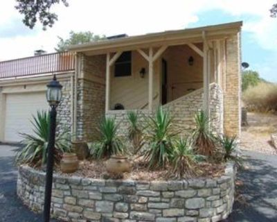 401 Out Yonder, Horseshoe Bay, TX 78657 2 Bedroom House