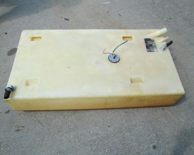 30 Gallon Poly Belly Tank Gas Or Diesel Super Clean! Used.