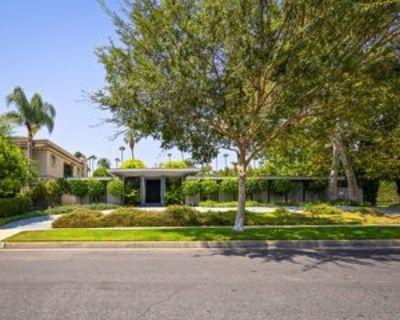 527 N Elm Dr, Beverly Hills, CA 90210 3 Bedroom Apartment
