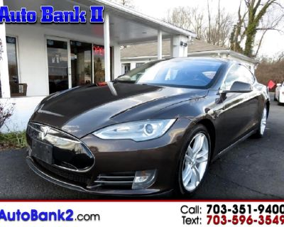 2013 Tesla Model S Signature 85 w/Third Row Seating and Panorama