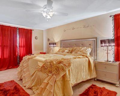 Entire 3 Bedroom Luxury in Atlanta Metro - Duluth