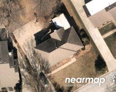 3 Bed 2.0 Bath Preforeclosure Property in Lees Summit, MO 64082 - SW Lafayette Pl