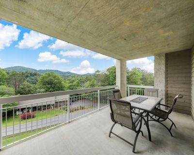 Greenbrier Getaway Whispering Pines 524, 4BR, Lazy River, Gym, Wi-Fi, Pools, Sle - Pigeon Forge