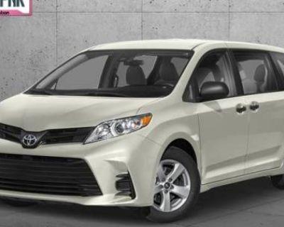 2020 Toyota Sienna XLE