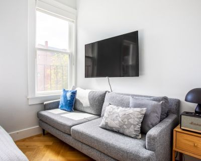 South End Studio, Steps From Northeastern, Restaurants by Blueground - Columbus