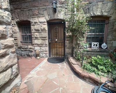 Historic Carriage House Guest Suite WalkScore 85 - City Park West
