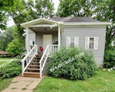 477 E Loula St #2, Olathe, KS 66061 1 Bedroom Apartment