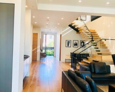 elegant modern Beverly grove house, los angeles, CA