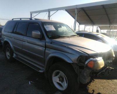 Salvage Silver 2001 Mitsubishi Montero Sport