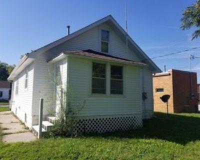 109 E Phillip Ave #1, Norfolk, NE 68701 2 Bedroom Apartment
