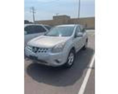 2013 Nissan Rogue Silver, 106K miles
