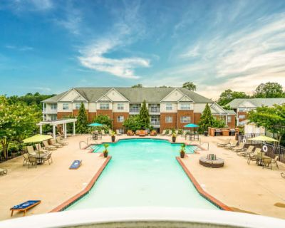 White Oak Luxury Apartments