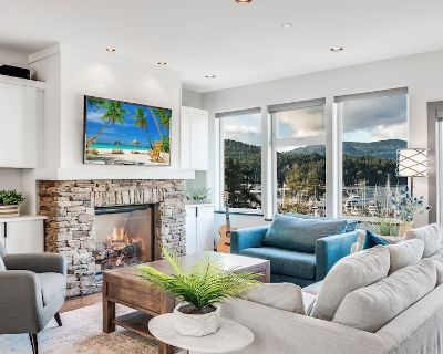 Bliss By the Bay - Brentwood Bay