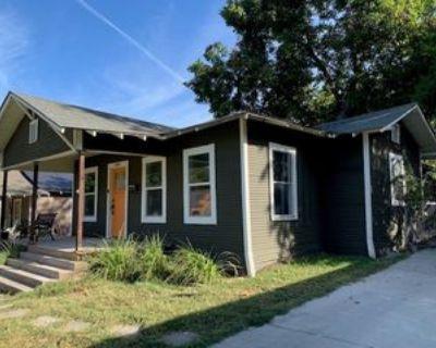 606 Cristler Ave #1, Dallas, TX 75223 3 Bedroom Apartment
