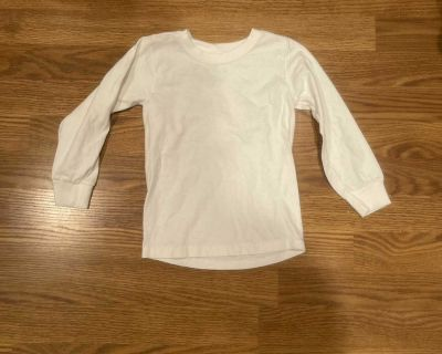 (XS 4/5) Fruit of the Loom brand long sleeve white cotton shirt