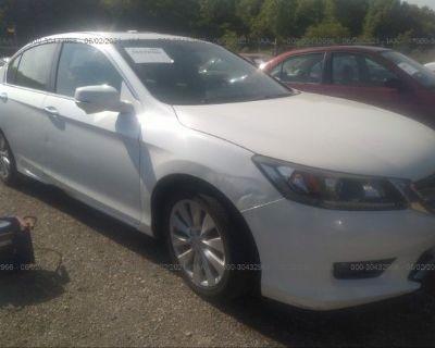 Salvage White 2015 Honda Accord Sedan