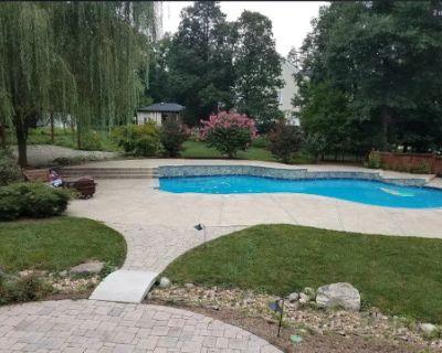 Resort Style Backyard & Pool, Gainesville, VA