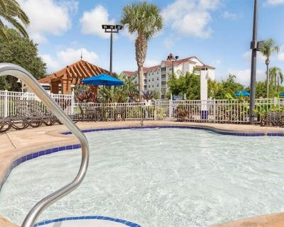 Family and Friends Vacay! 2 Spacious 3 BR Units, Pool, Beach - Orlando
