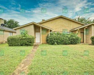 2704 Saint George Pl, Arlington, TX 76015 2 Bedroom House