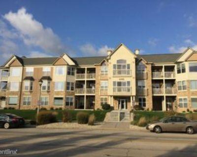 6995 S Riverwood Blvd, Franklin, WI 53132 2 Bedroom Condo