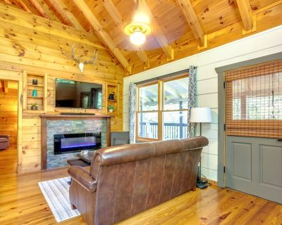 NEWLY REMODELED, PRIVATE LANE AND GREAT LOCATION - Pigeon Forge