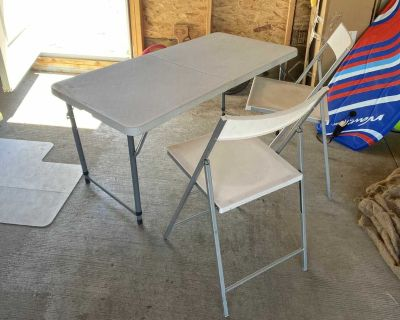Folding plastic table and 2 folding chairs