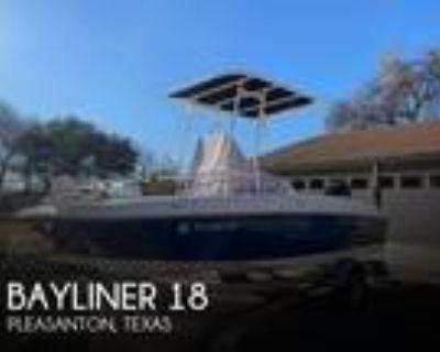 18 foot Bayliner Element 18