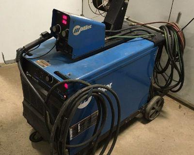 2011 Miller Deltaweld 452 CV DC Welder MIG ARC Stick w S-74D Wire Feeder & Cart