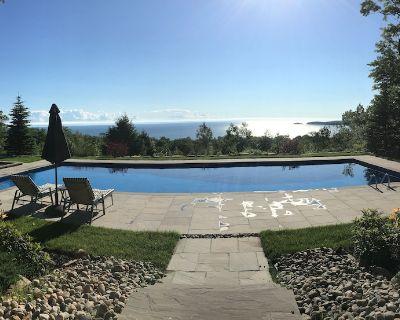 50' Pool, Hot Tub, 22 Acres with Spectacular Georgian Bay Sunsets & Beach - Tiny