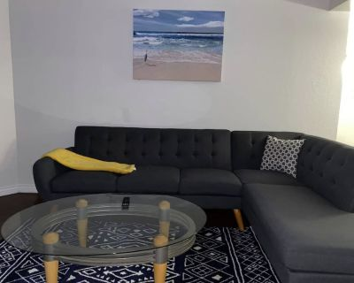 Spacious 2bedrooms 2baths Apartment. 420/ smoker friendly in DOWNTOWN LA - Bunker Hill