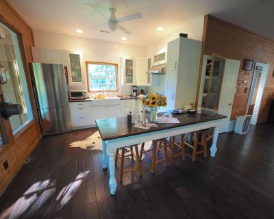 Pretty Lake Guest House On 30 Acres - Minutes From Columbia - Columbia