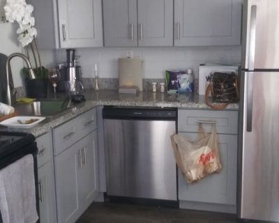 Private room with shared bathroom - Scottsdale , AZ 85257