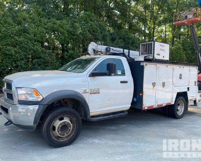 2015 Ram 5500 Heavy Duty 4x4 Service Truck w/ Crane