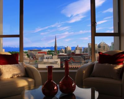The Emperor's Suite - In the heart of Downtown Victoria - Downtown Victoria