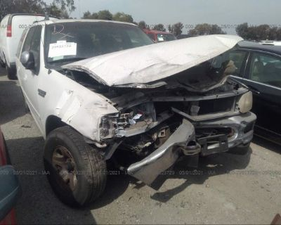 Salvage White 1997 Ford Expedition