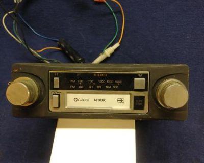 Clarion AM/FM Cassette Radio