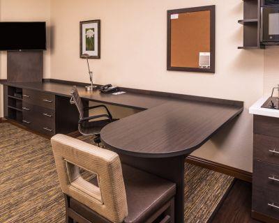 Candlewood Suites Kansas City Speedway, an IHG Hotel - I-435 West KC-KS