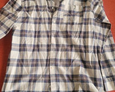 NEW SIZE MEDIUM SHIRT LOCATED IN WILDOMAR BUT WILLING TO MEET IN MENIFEE XPOST