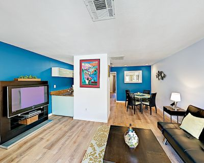 Hip Hideaway with Heated Pool, Hot Tub, Tennis | Near Downtown & Golf - Downtown Palm Springs